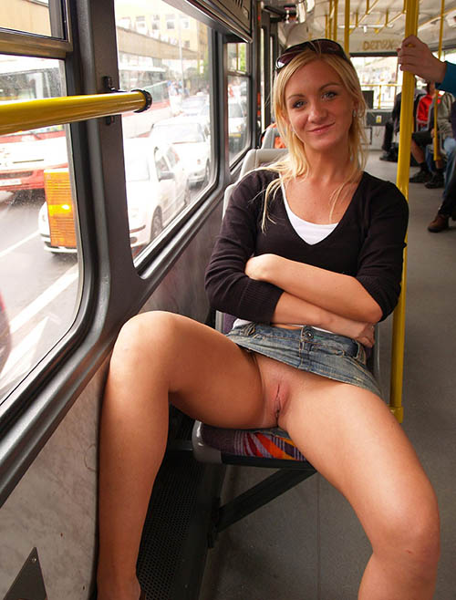Pussy girl flashing bus upskirt on
