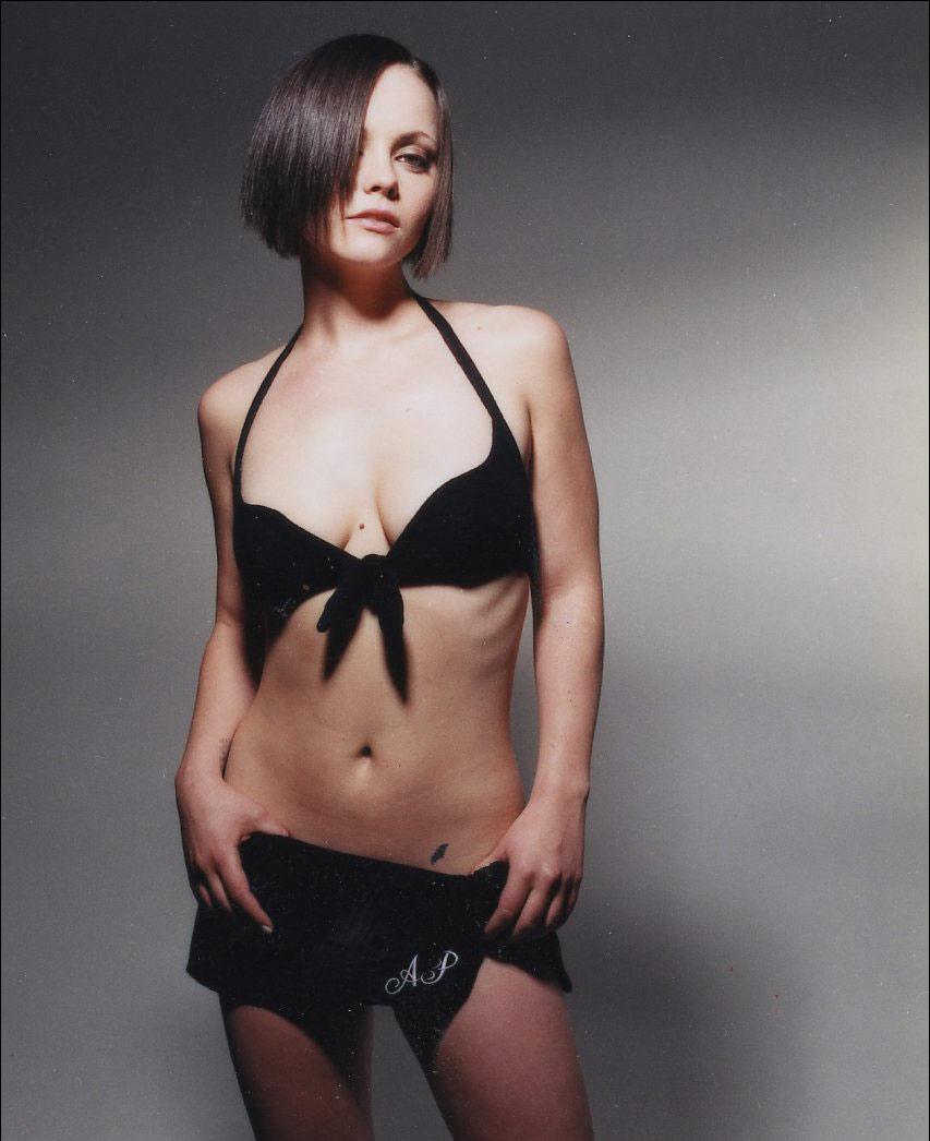 Christina Ricci Is Comfortable Being Naked - Christina